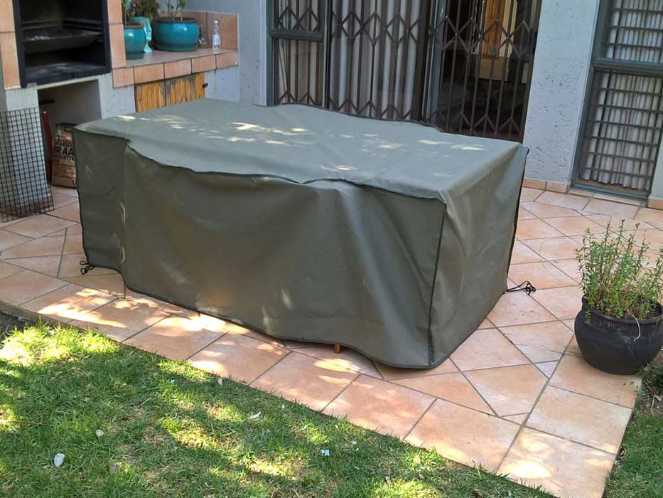 6SeaterTableChairsCanvasCover
