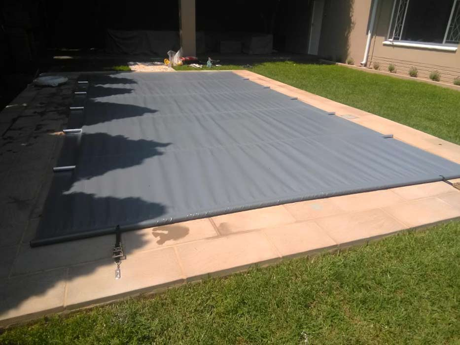 SWIMMING-POOL-COVER-12