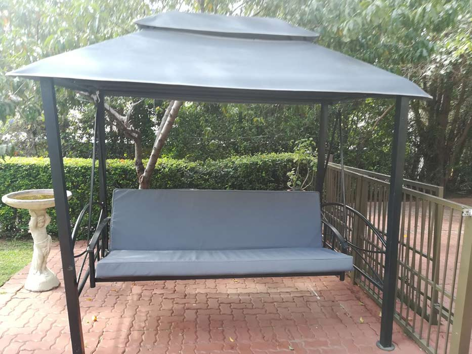 SWING-CHAIR-WITH-SHADE1